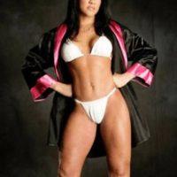 La boxeadora profesional fue la portada de la edición de enero de 1999. Foto:Playboy