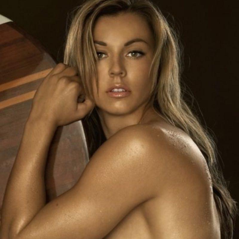 La alemana que ha sido medallista olimpica por pruebas de canotaje fue la portada de la edición de agosto de 2008. Foto:Playboy