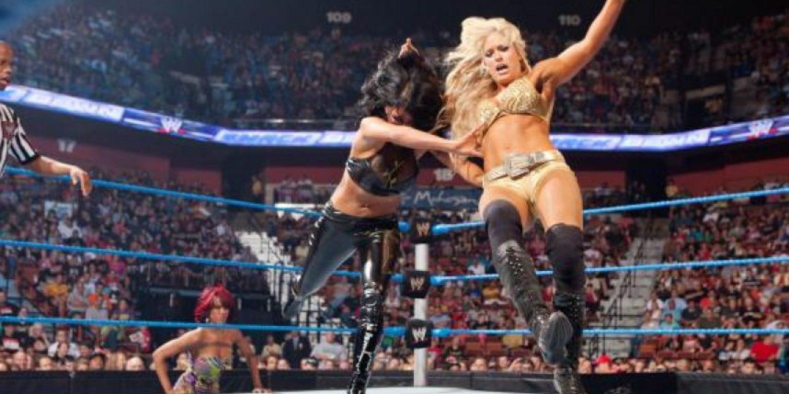 Está comprometida con el jugador de hockey Sheldon Souray Foto:WWE
