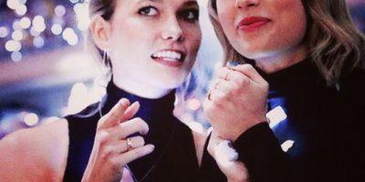 FOTO: El beso entre Taylor Swift y Karlie Kloss