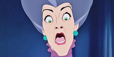 La dinámica con sus hijas y con Cenicienta (así como su mascota, Lucifer) la hacen una de las villanas más recordadas. Foto:Disney