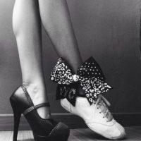Señalando que casi todos los grandes diseñadores de calzado son hombres como Roger Vivier, Sergio Rossi, Manolo Blahnik y Christian Louboutin. Foto:Tumblr.com/Tagged-tacones