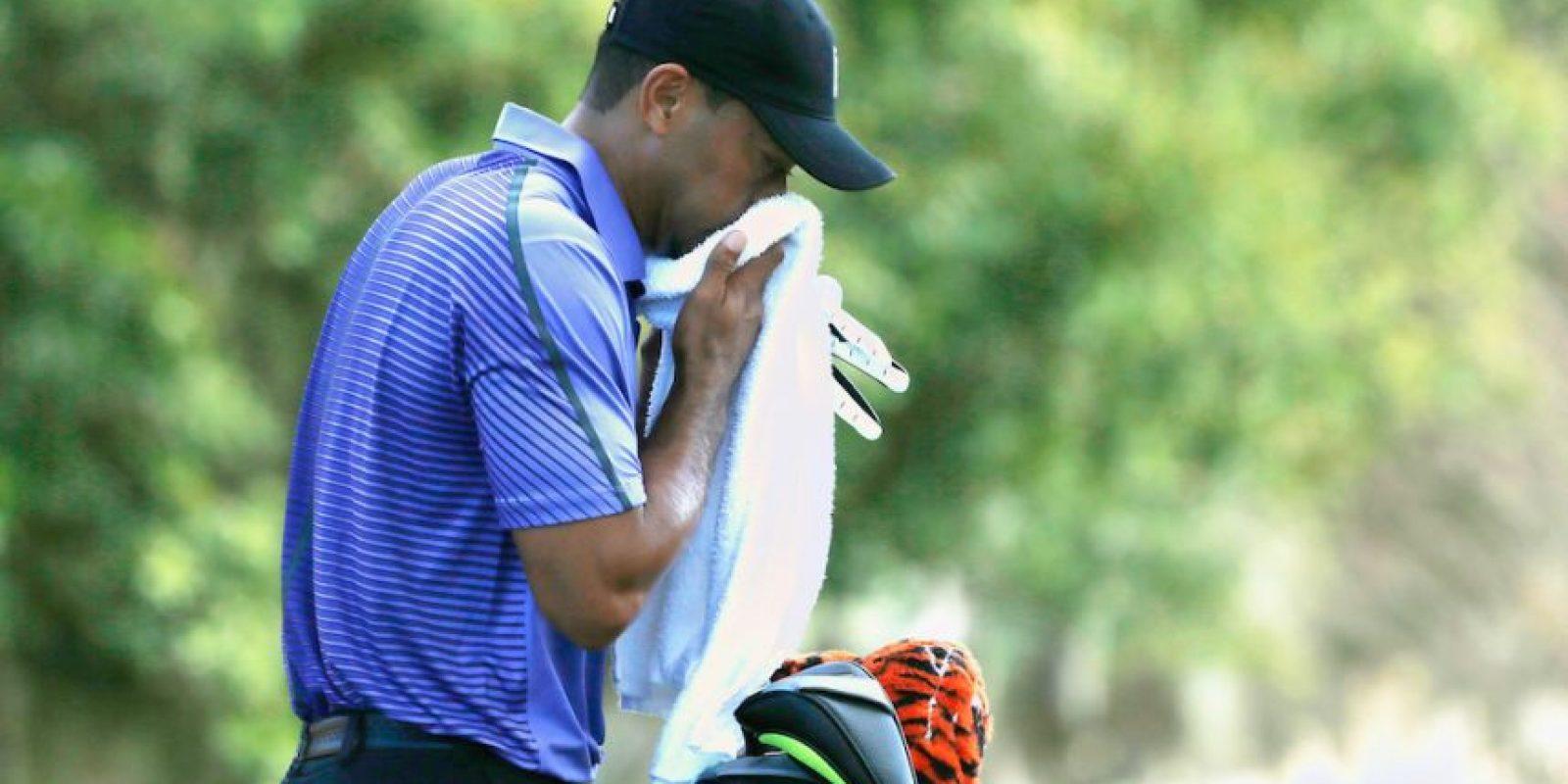 Woods vomitó en el torneo Hero World Challenge debido a laringitis. Foto:Getty Images