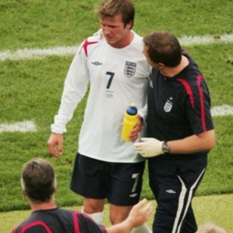 David vomitó en un partido de la Copa del Mundo 2006 ante Ecuador. Foto:Getty Images