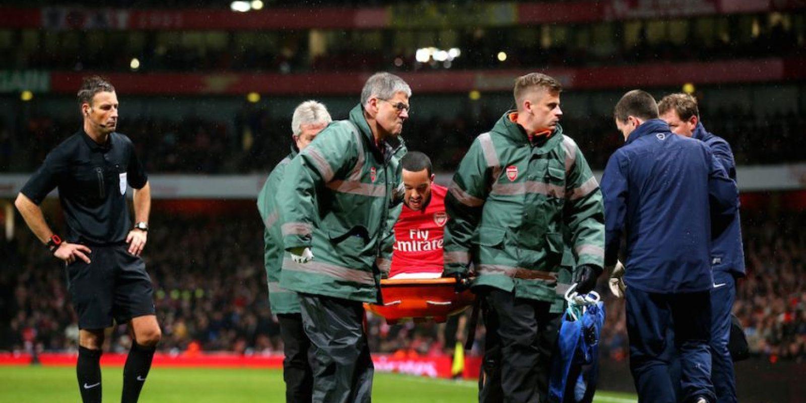 El delantero del Arsenal sufrió una rotura de ligamentos de la rodilla izquierda y se perdió el Mundial. Foto:Getty Images