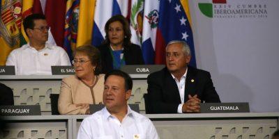 ¿Qué hace el presidente Otto Pérez en México?
