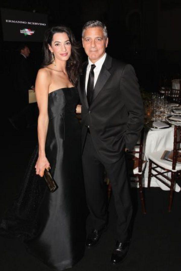 Después de siete meses de relación Amal logró comprometerse con el actor George Clooney. Foto:Getty Images