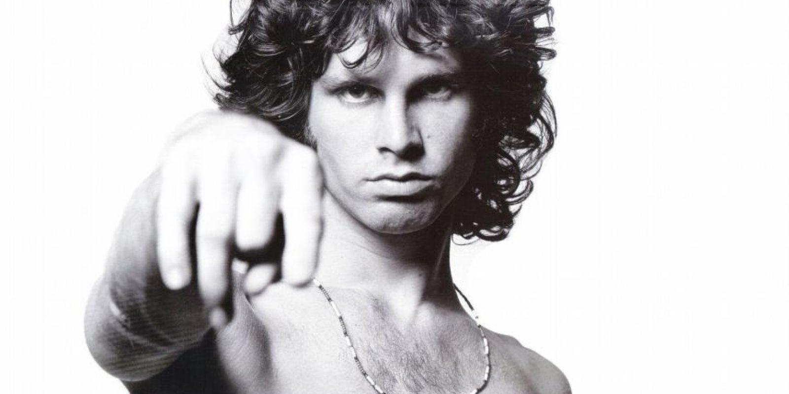 Vocalista de la banda de rock psicodélico The Doors. Se dice que murió por Insuficiencia cardíaca, pero las circunstancias exactas no han sido aclaradas. Foto:Agencias