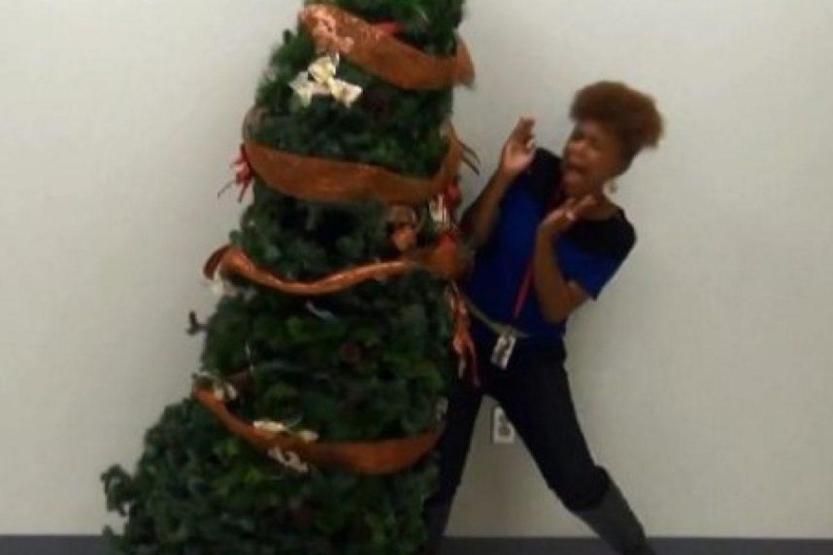 Ese árbol sí que asusta Foto:Know Your Meme