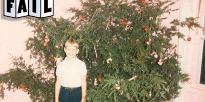 ¿A quién le importa el árbol si el niño se ve contento? Foto:Tumblr/Tagged-arbol-navidad