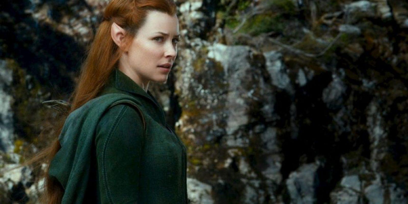 Reúne las características de muchos de los personajes femeninos de la obra de J. R. R. Tolkien. Foto:New Line Cinema/MGM