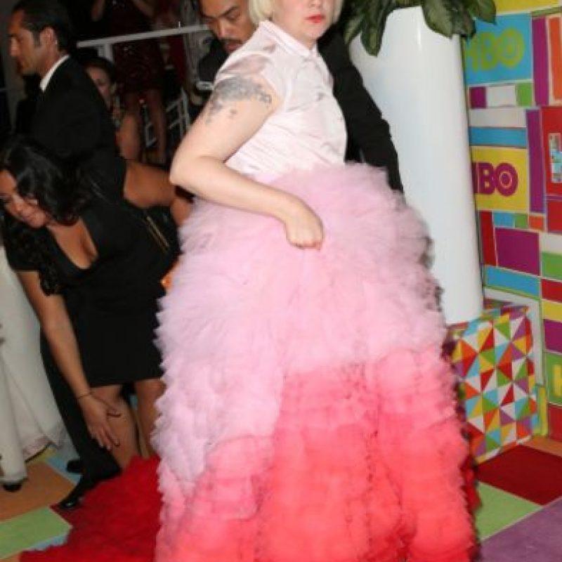 El vestido rosado de Giambattista Valli que usó Lena Dunham en los Emmy de este año es el rey de los atuendos espantosos de este 2014. Foto:Getty Images