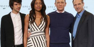 A Daniel Craig le sacaron memes en Internet por este suéter de Ned Flanders que usó cuando presentó la película 24 de James Bond. Foto:Getty Images