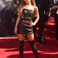 En el mismo evento, Ariana Grande quiso despojarse de toda inocencia. Foto:Getty Images