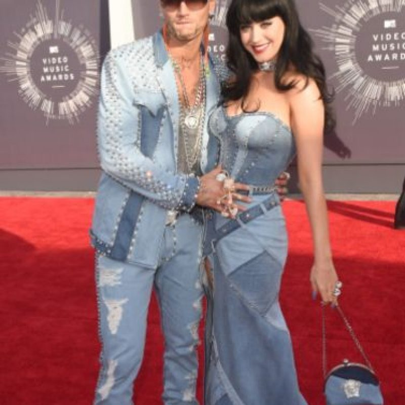 Compararon su look dénim con el que usó Britney Spears junto a Justin Timberlake en el 2000 Foto:Getty Images