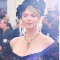 Un vestido que la hacía lucir ajada. Foto:Getty Images