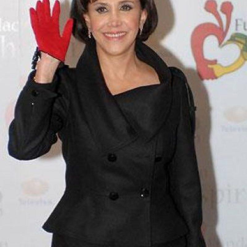 También es cantante, guionista, directora, productora, y locutora Foto:Facebook Florinda Meza