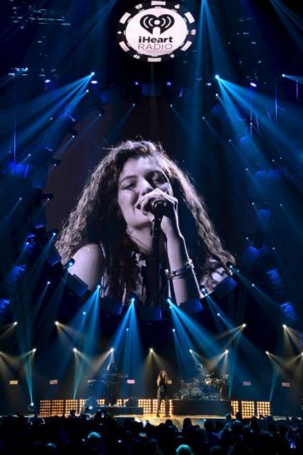 Poco tiempo después, empezó a componer sus propias canciones, y se alió con Joel Little, quien las produjo Foto:Getty Images