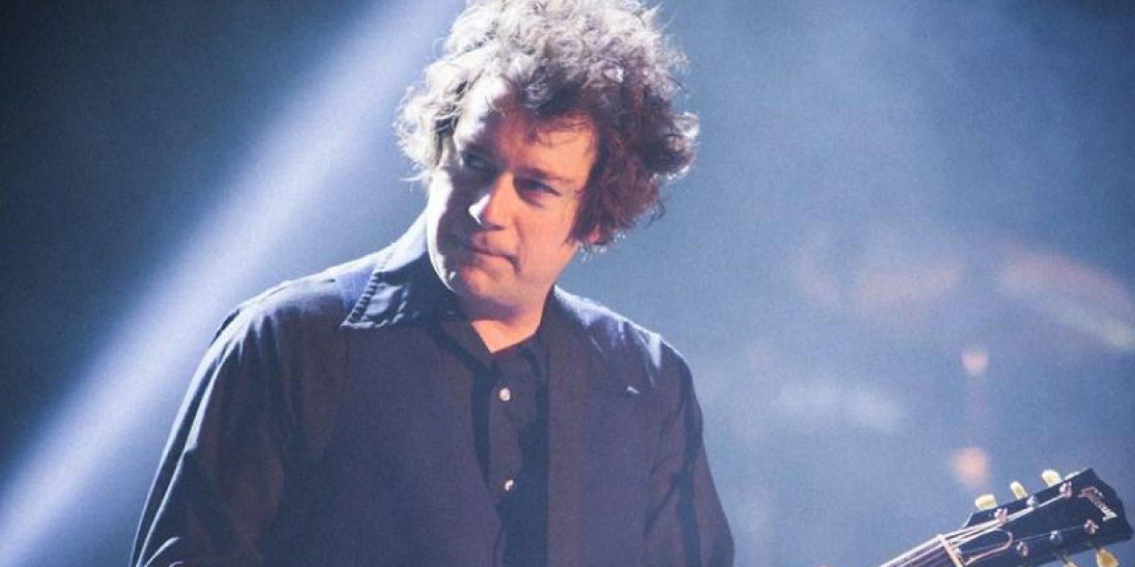 En 2012, se unió a Green Day como miembro oficial, encargado de la guitarra principal. Foto:GreenDay.com