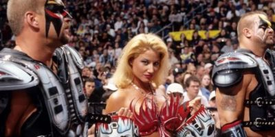 2. Sunny Foto:WWE