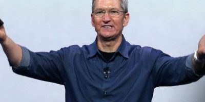 """Tim Cook. En la columna, el jefe de Apple dijo que ha tratado de mantener """"un nivel básico de privacidad"""", pero que el deseo de privacidad lo detenía en su trabajo por el beneficio de los demás. Foto:Getty Images"""