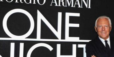 Giorgio Armani. El famoso diseñador italiano nunca ha ocultado sus preferencias sexuales, incluso en década de los 80, estuvo apunto de dejar todo debido a la muerte de su pareja. Foto:Getty Images