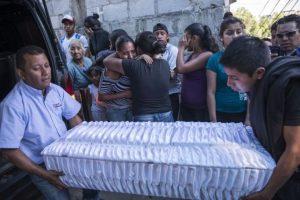 Los cuatro niños han muerto la semana pasada al alimentarse con las sopas. Foto:Oliver de Ros