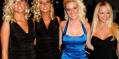 """Kristina y Karissa Shannon reemplazaron a las tres novias originales de Hugh Heffner en """"Girls Next Door"""" Foto:Getty Images"""