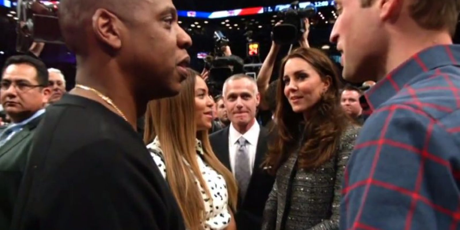 Las parejas asistieron a un partido de la NBA Foto:NBA Highlights