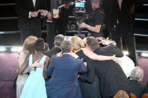 """La selfie compartida por Ellen DeGeneres fue la imagen con más retuits de la historia. Superó a la fotografía """"4 more years"""", compartida por Barack Obama en 2012 al ser reelecto. Foto:Getty Images"""