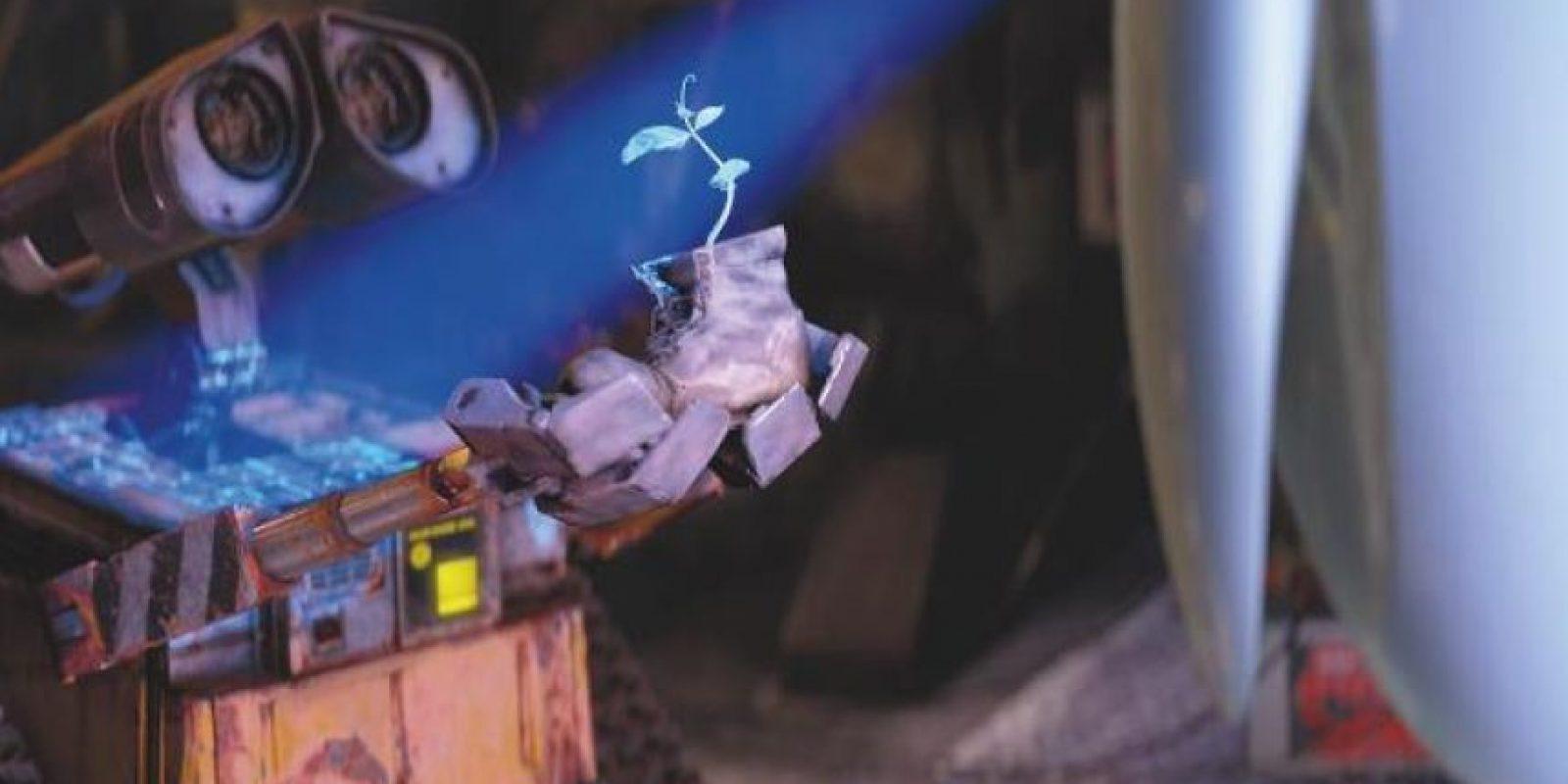 Además de ser el año en que celebrarán el vigésimo aniversario de la primera cinta de Toy Story, en 2015 los estudios liderados por Edwin Catmull, John Lasseter y Jim Morris presentarán dos nuevos proyectos y una secuela de una de sus franquicias más queridas. Foto:Facebook/Pixar