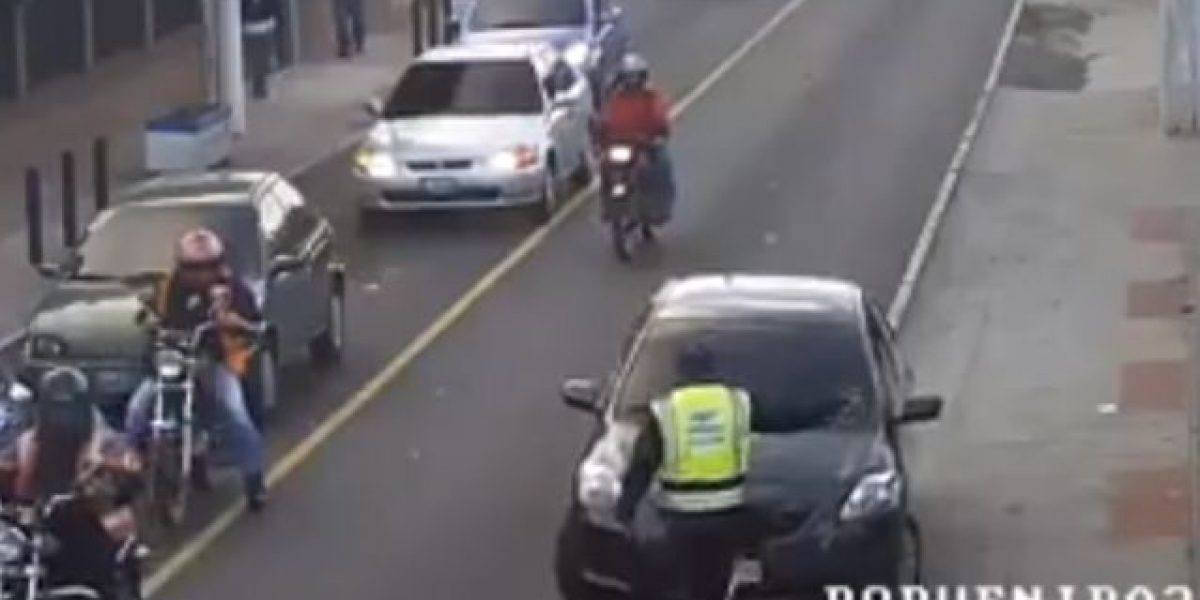 VIDEO. Atropellar a un PMT le salió caro