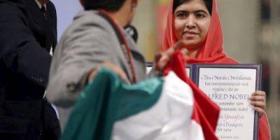 Joven interrumpe entrega del Premio Nobel de la Paz en protesta por México