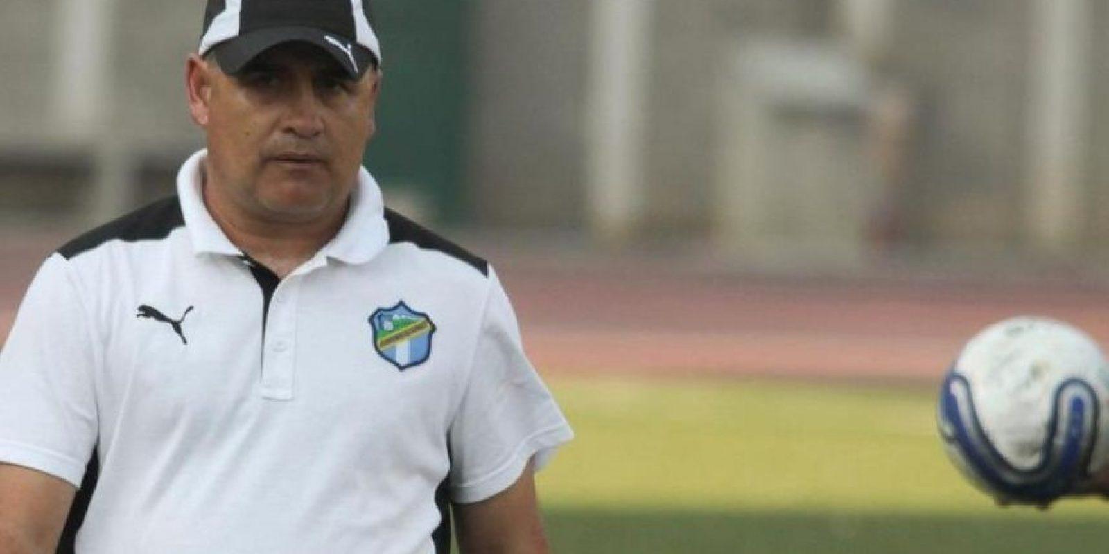 Esta es la primera vez que el uruguayo William Coito Olivera dirigirá una semifinal de Liga Mayor con los cremas. Foto:impactomx.com