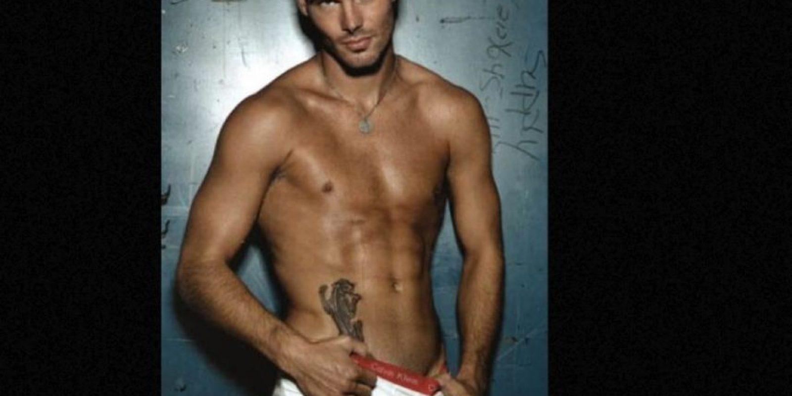 El exfutbolista sueco modeló en 2008 Foto:Calvin Klein