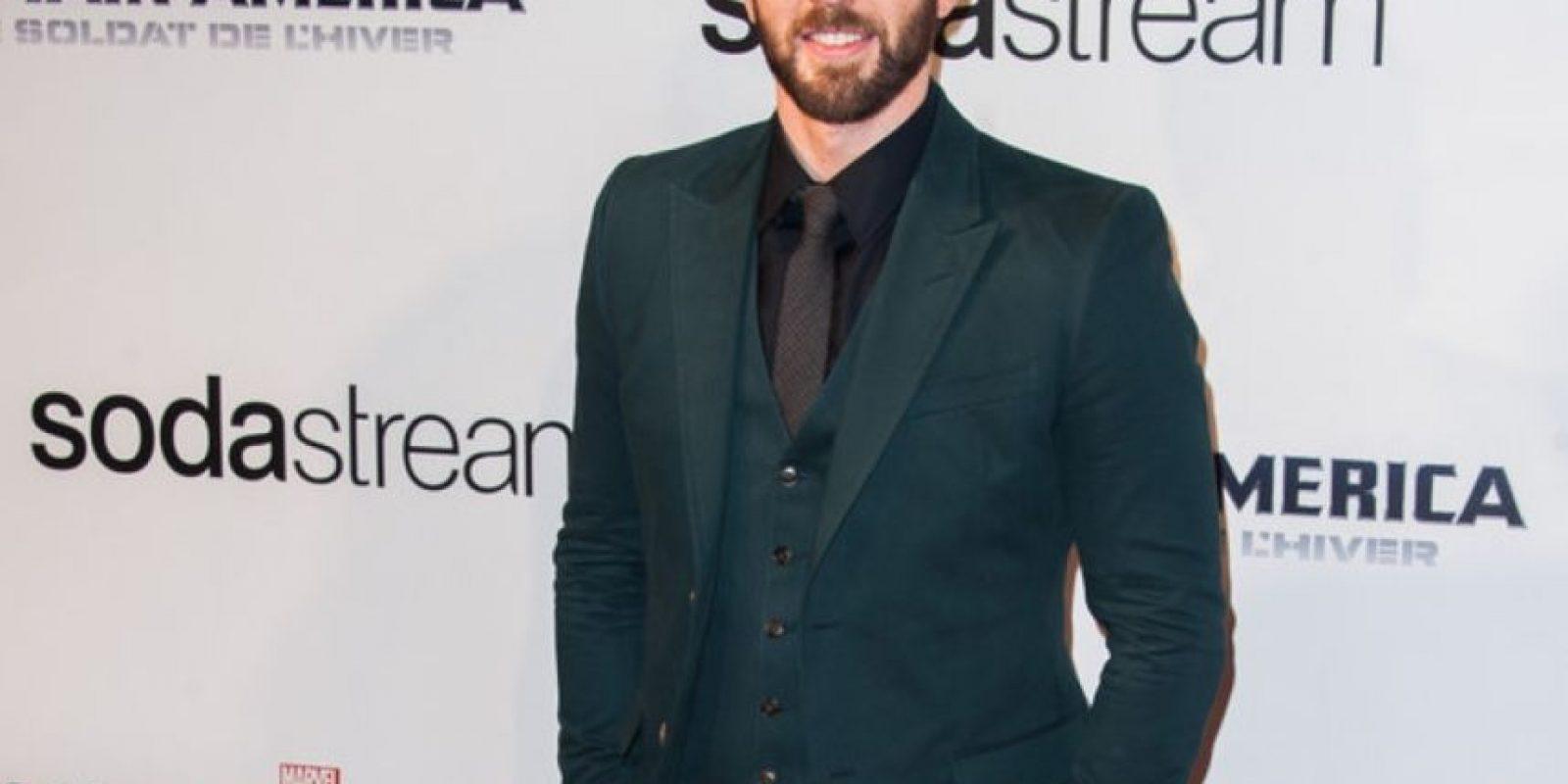 """Chris Evans deja a un lado su look lampiño de """"Capitán América"""" y luego de modelar en Calvin Klein, así lució este año. Foto:Getty Images"""