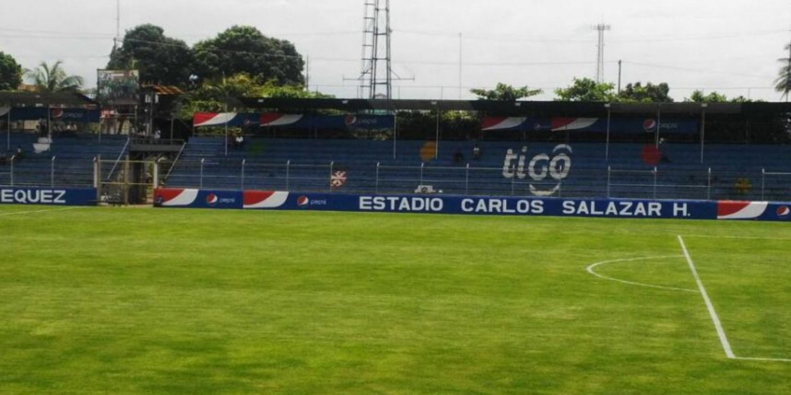 El estadio Carlos Salazar hijo es la sede del partido de esta noche. Foto:Emisoras Unidas