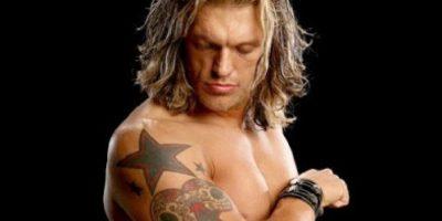La estrella en el hombro derecho fue con la que se identificó en su paso por la WWE Foto:WWE