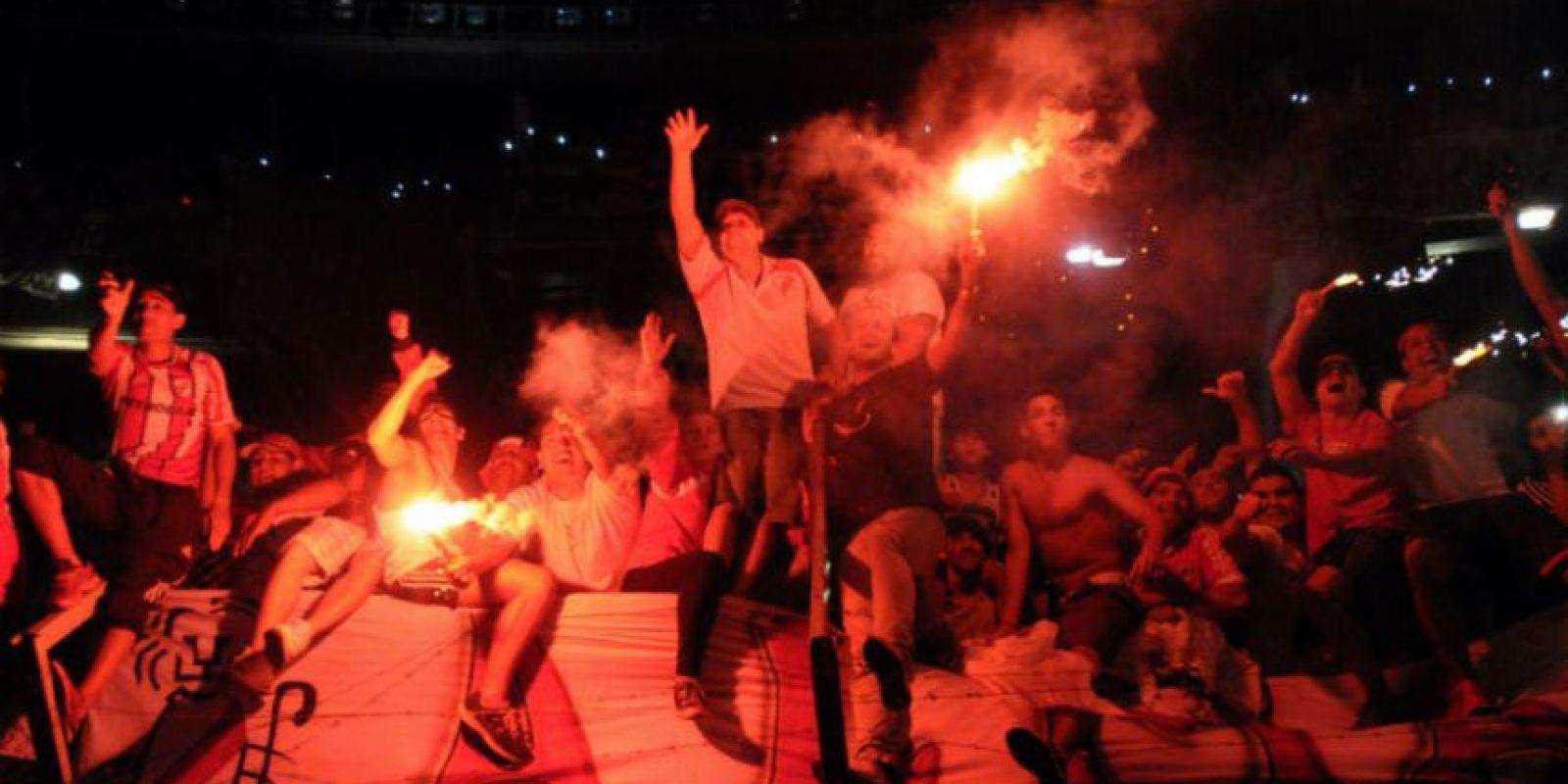 Los seguidores del club platense celebraron a más no poder. Foto:AFP
