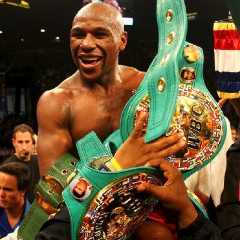 2014- Shantel Jackson, exnovia de Floyd, demandó al boxeador por haber sufrido golpes durante su relación y amenazas de subir fotos de ella desnuda. Foto:Getty Images