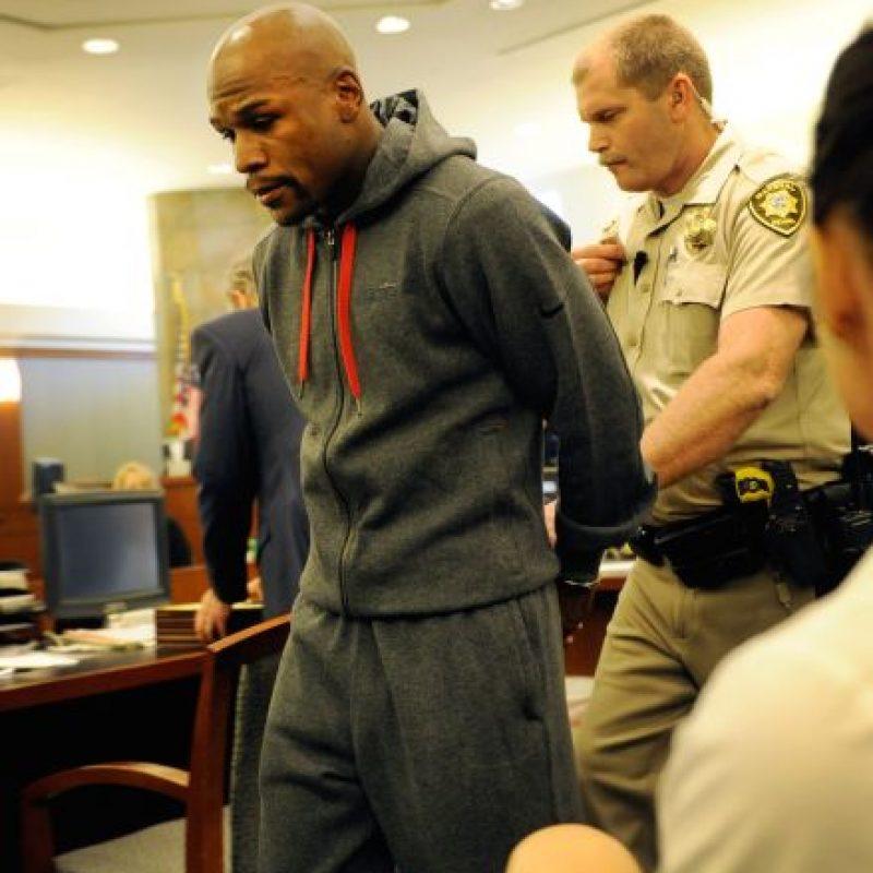 2012 – Mayweather pasó 87 días en prisión por haber goleado a su exnovia Josie Harris. Foto:Getty Images