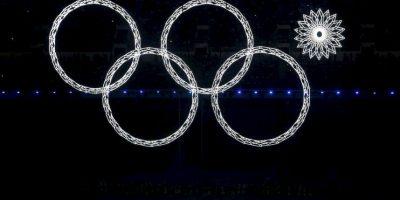 Una falla de los aros durante la apertura de los Juevos Olímpicos de Invierno Sochi se volvió viral y generó múltiples críticas del evento. Foto:Getty
