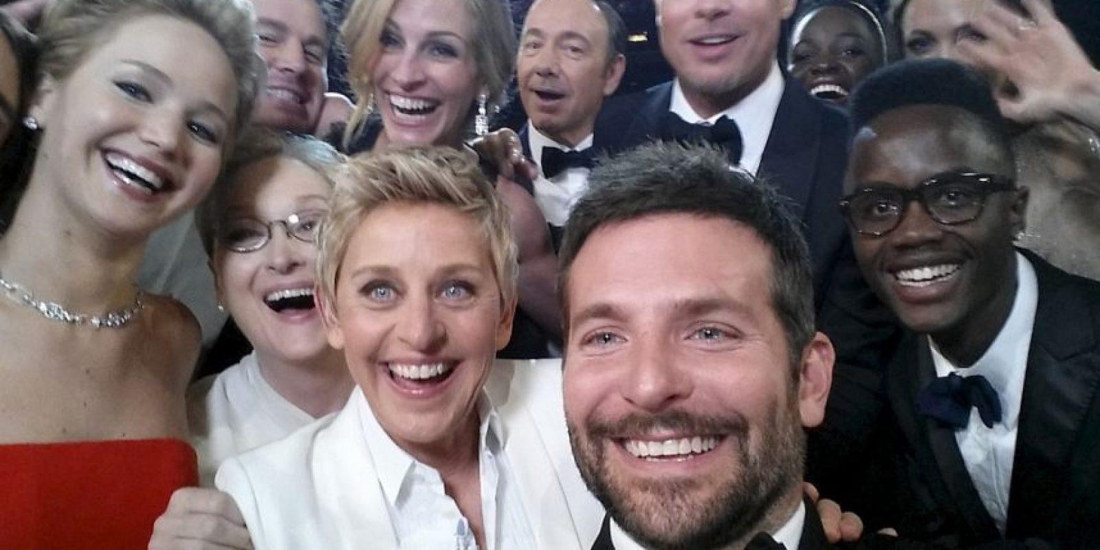 El selfie de la presentadora Ellen DeGeneres durante la ceremonia de los premios Óscar se volvió el más retuiteado de la historia. Foto:Vía Twitter @EllenDegeneres