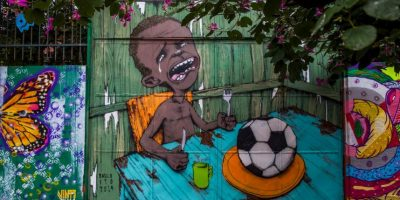 Un mural que criticaba la celebración del Mundial Brasil 2014 en ese país. Foto:Getty