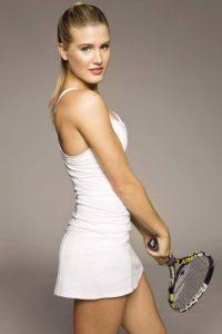 La canadiense de 20 años de edad firmó un contrato con la agencia IMG para representarla como tenista y como modelo. Foto:instragam.com/geniebouchard