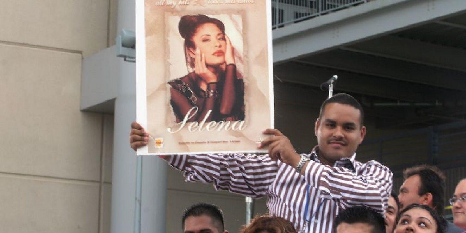 Selena Quintanilla murió el 31 de marzo de 1995 en un hotel de Corpus Christy en Texas. Foto:Facebook/Selena