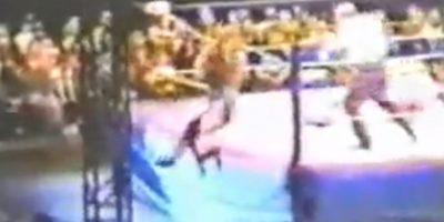 Mick Foley: Perdió la oreja en una pelea de 1994 Foto:Youtube: Doctadeth
