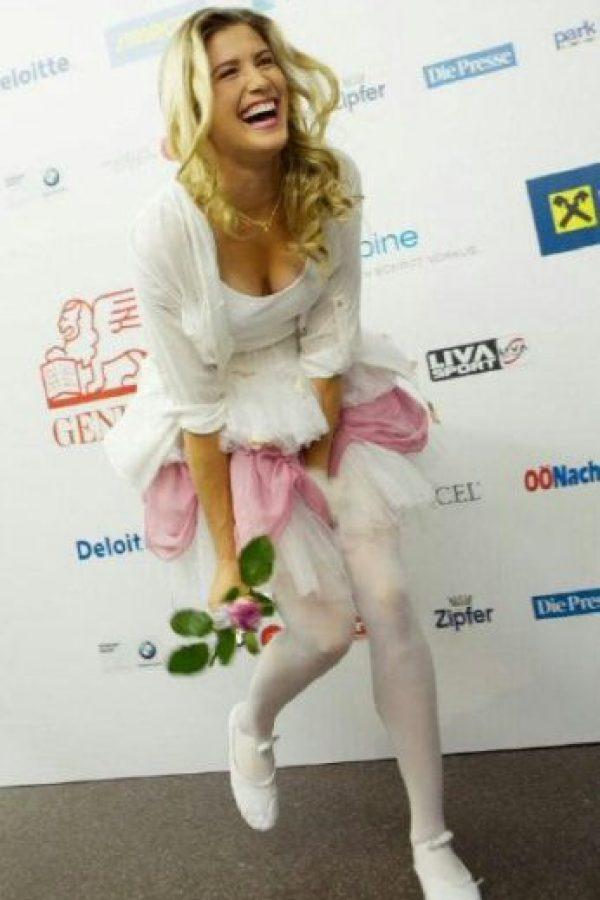 Estará con la agencia que respalda a modelos como Gisele Bundchen e Irina Shayk Foto:Instagram: @geniebouchard