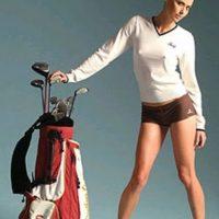 La australiana ha posado en gran cantidad de ocasiones para revistas y promocionado diversos artículos. Foto:Southland Golf