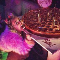 Y así es como Miley celebra su cumpleaños. Foto:Instagram/Miley Cyrus